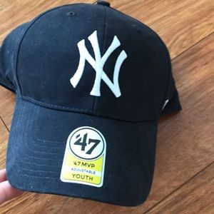 Other - Youth Yankees adjustable hat
